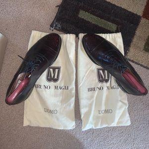 2 Bruno Magli Desi Black size:10 medium Brand new